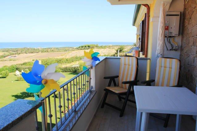 Sardegna Valledoria Appartamento Vista Mare Ampio Balcone, holiday rental in La Muddizza