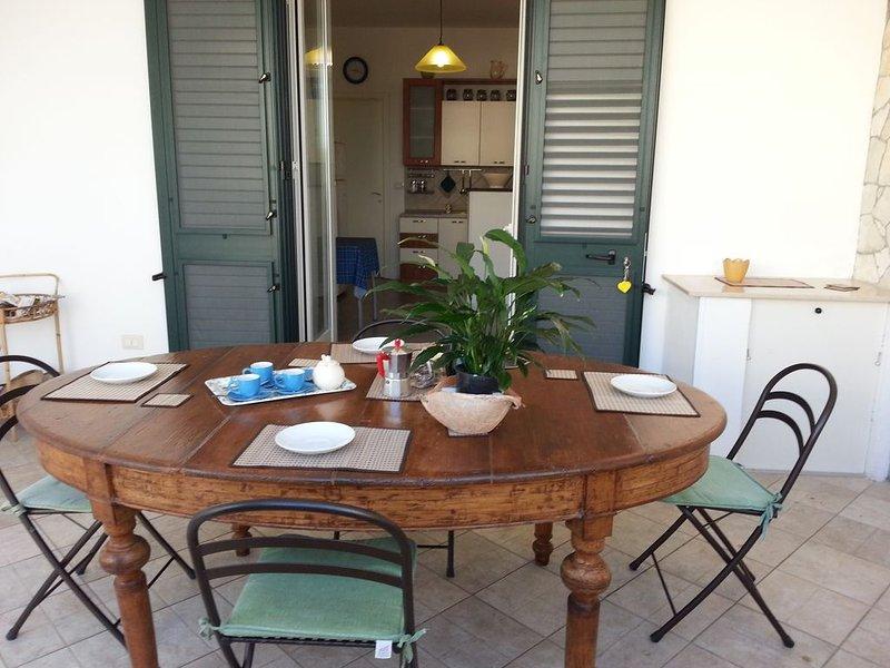 Comfortable apartment in Santa Cesarea Terme 100 m from the sea, vacation rental in Santa Cesarea Terme