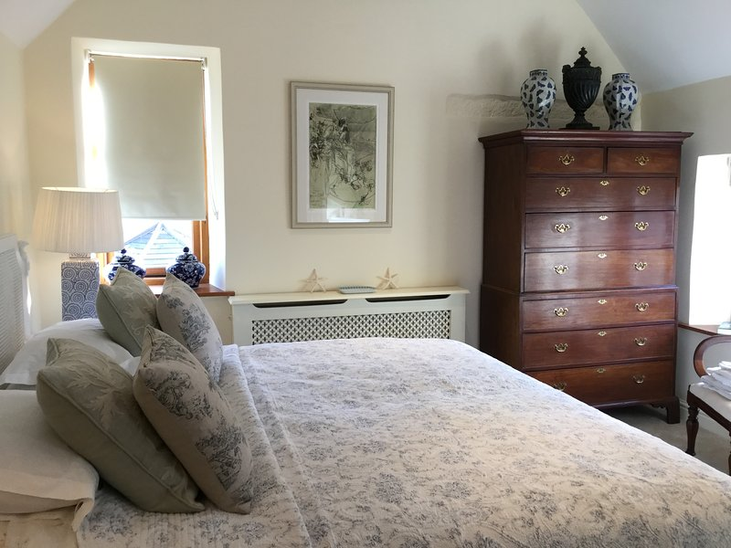 Stunning Super king bedroom with sumptuous linen. Beautiful antiques throughout  .En-suite shower .