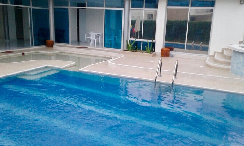 Hermosa Casa con Piscina privada y Jacuzzi, holiday rental in Tolima Department