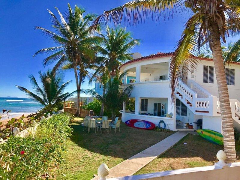 Beautiful Beachfront Accommodations  Casa Nikitas 2, holiday rental in Puerto Diablo