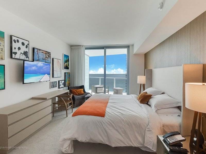 HYDE RESORT AND RESIDENCES ***BEST LOCATION IN BUILDING***#1807***Line 7 face SE, holiday rental in Hollywood