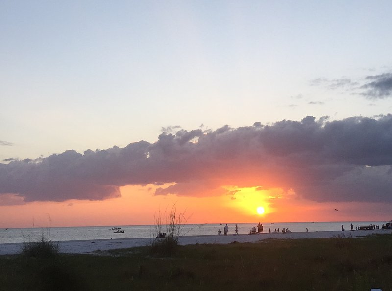 Sunsets on Siesta Key Beach will last a lifetime on your mind