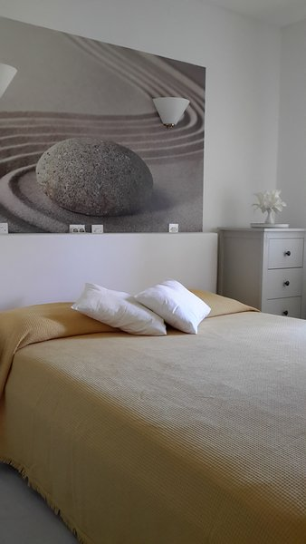 Pretty double room in guesthouse Pension Pavlovic near to the beach, vacation rental in Sudurad