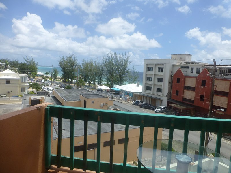 Opp Sea, Beach,3B Hastings Towers, near Restaurants & Bars, Boardwalk, Cafe. – semesterbostad i Hastings