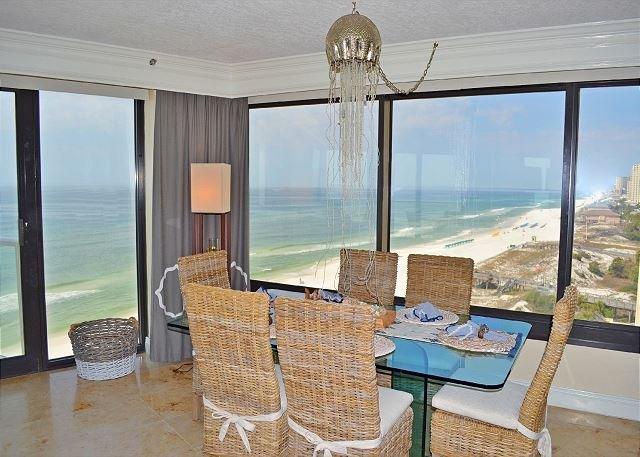 Beachside II 4305 Dining Room