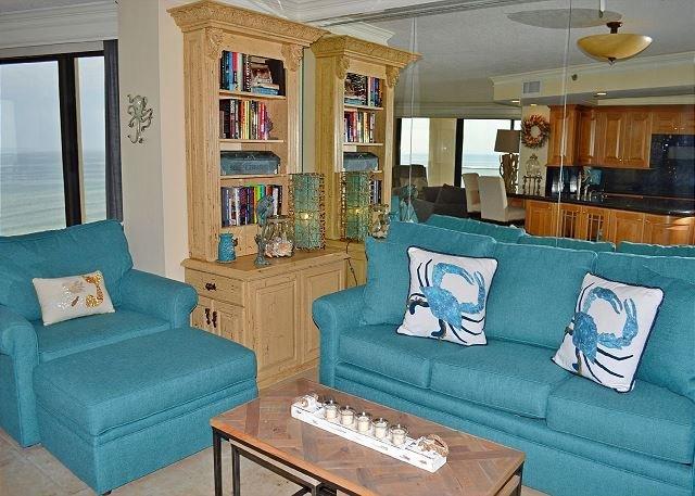 Beachside II 4305 Living Room