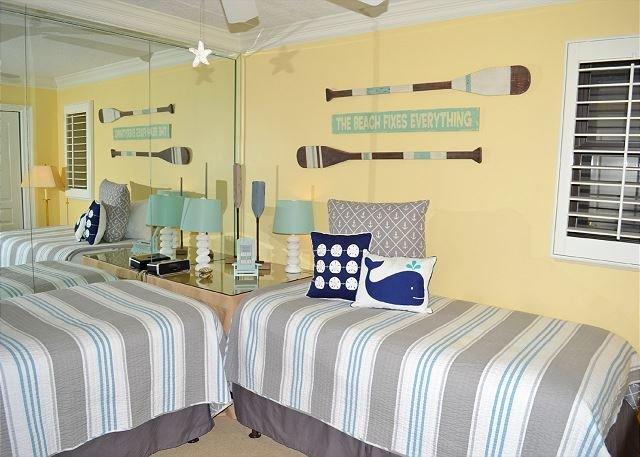 Beachside II 4305 Guest Bedroom