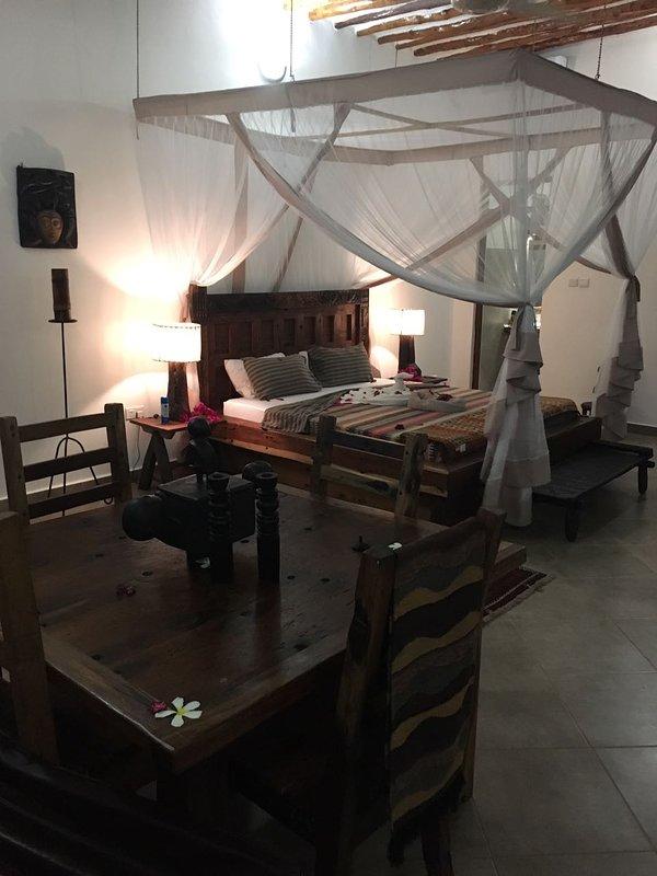 ZI BEACH COTTAGE BEDROOM