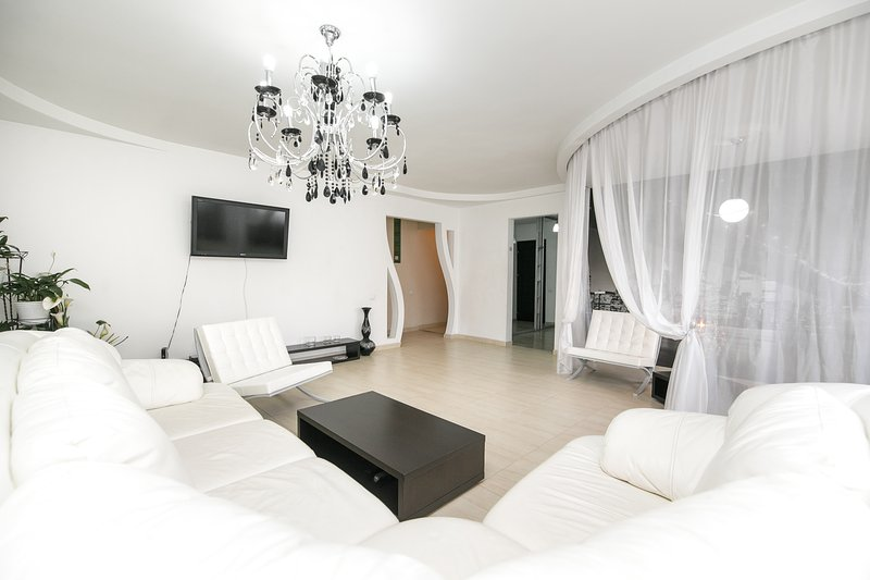Lux apartment with 2 bedrooms and livingroom on Negruzzi street, holiday rental in Ialoveni District