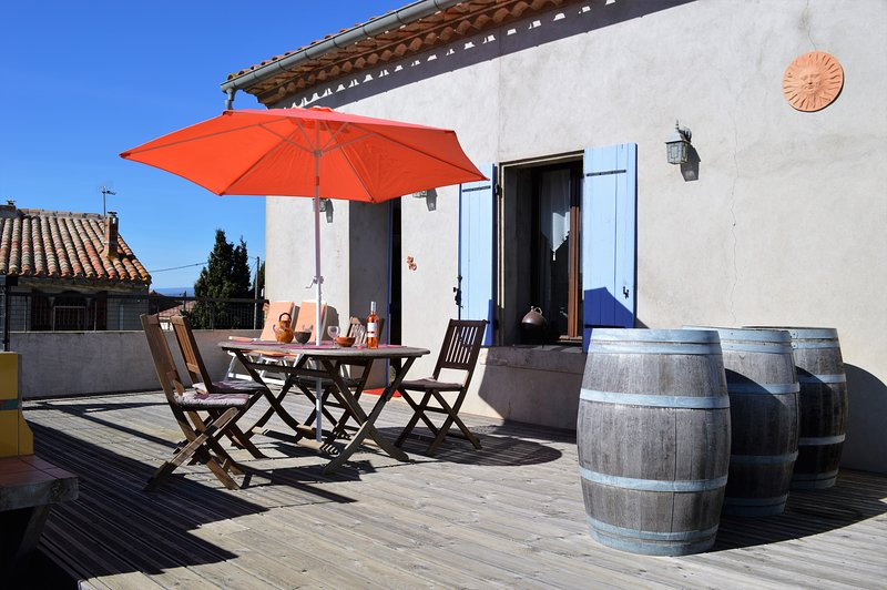 L'Oustal Delcastèl comfortable holiday retreat, vacation rental in Puicheric