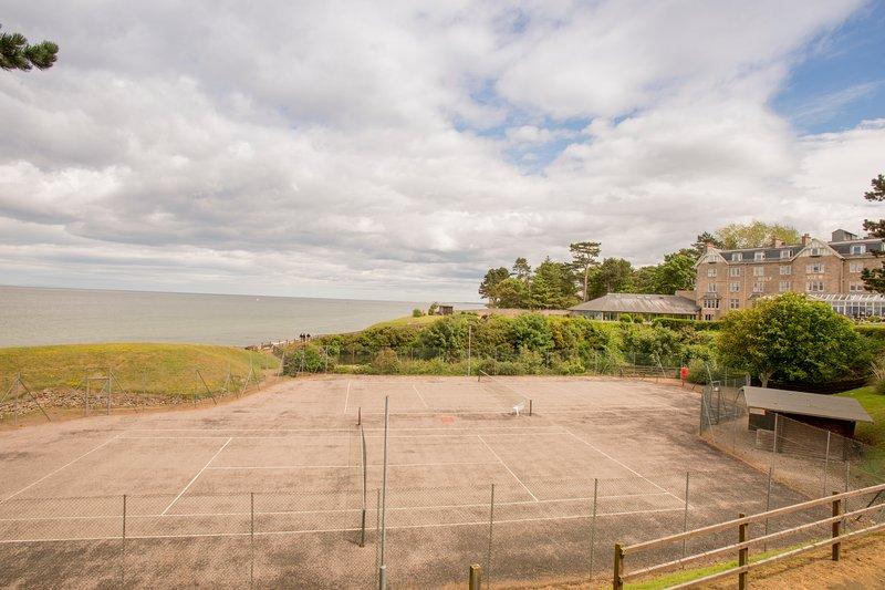 Seaview fornecer raquetes de tênis e bolas de tênis gratuitamente para os hóspedes.
