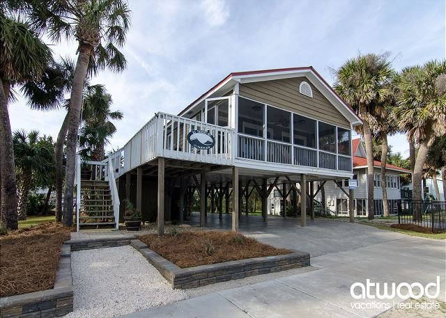All Tuckered Out - Charming Cottage With Ocean Views, holiday rental in Edisto Island