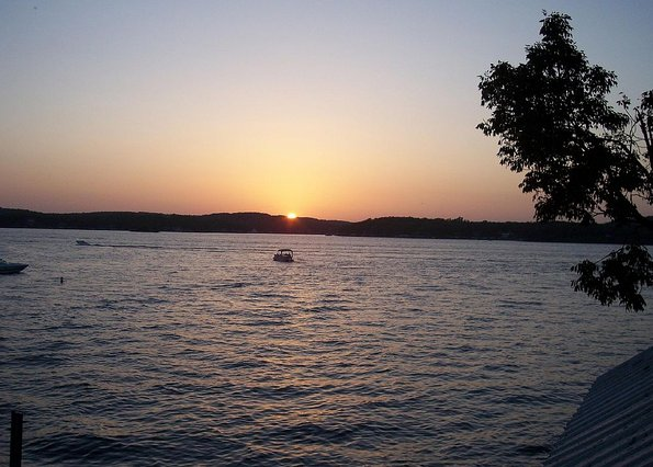 Lake Ozark Waterfront Condo Summer Dates Available
