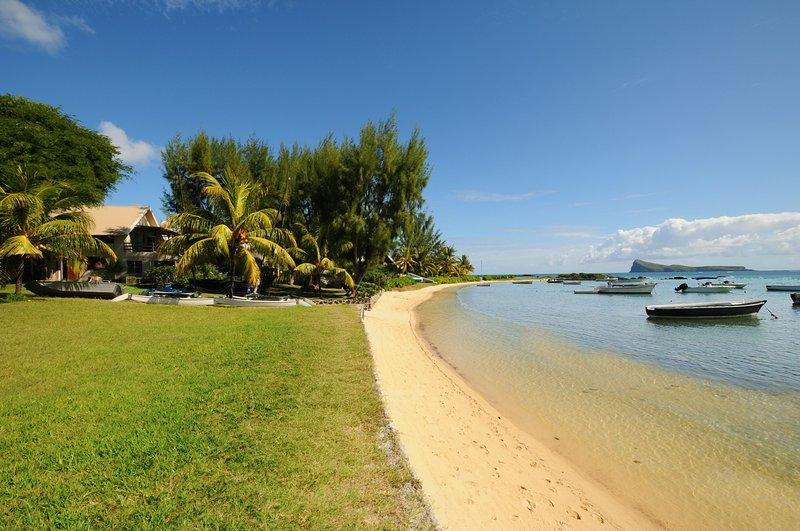 Private Beachfront Villa Cap Malheureux Mauritius to rent