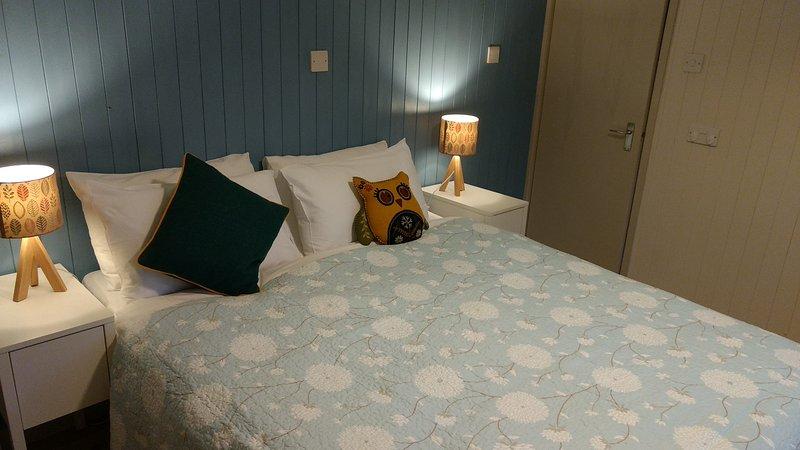 Due camere da letto con letti king-size - uno può essere suddiviso per fornire due singoli - ideale per le famiglie
