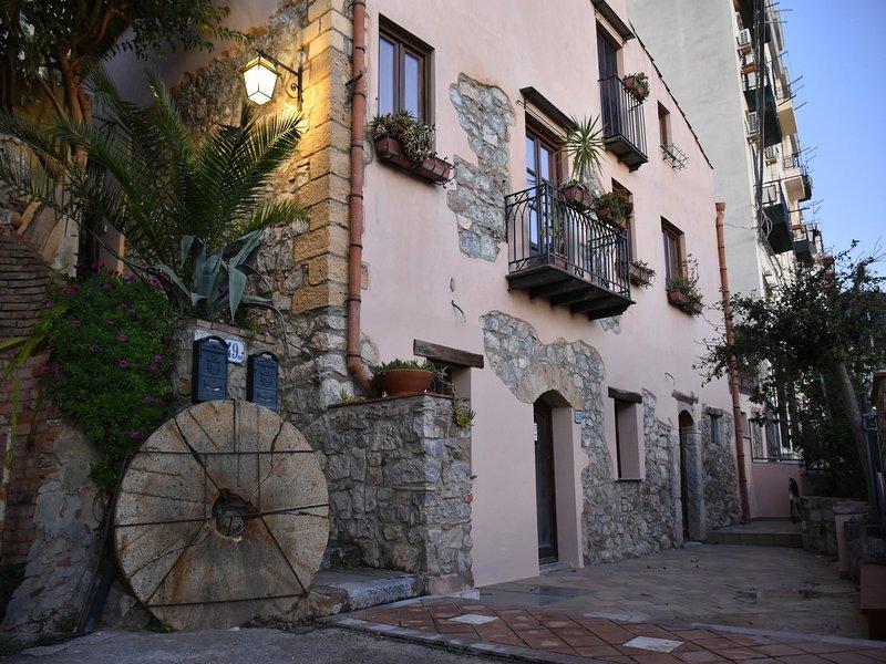 Casa de vacaciones Il Mulino La Torre Tres habitaciones 5 camas Dos piezas 4 lechos de sal gema.