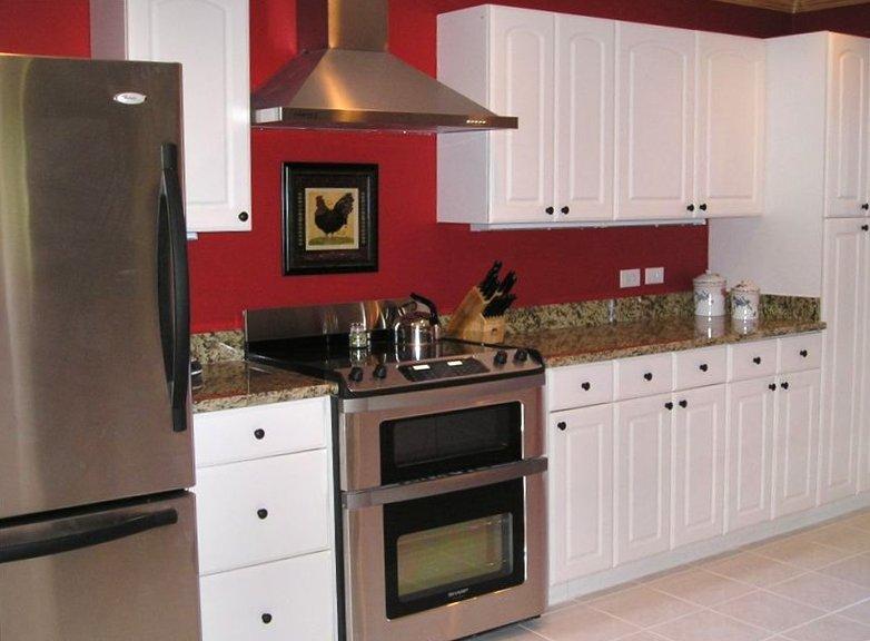cuisine Mise à jour w / appareils en acier inoxydable, nouvelle laveuse / sécheuse, comptoirs en granit et entièrement équipé!
