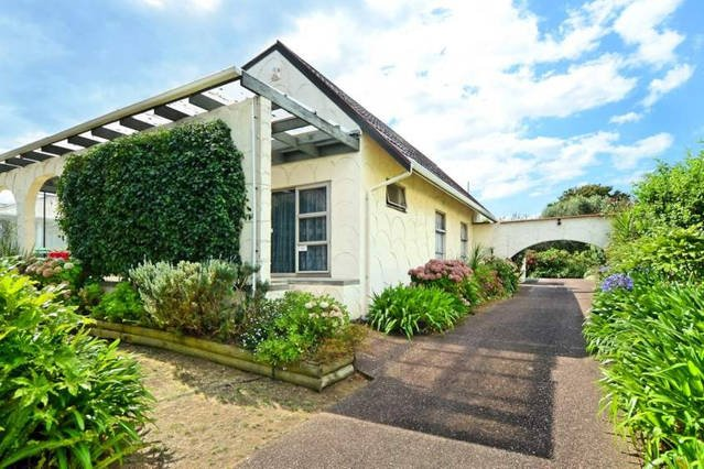NEAR Transport Group and Space Lover Delight, holiday rental in Manukau