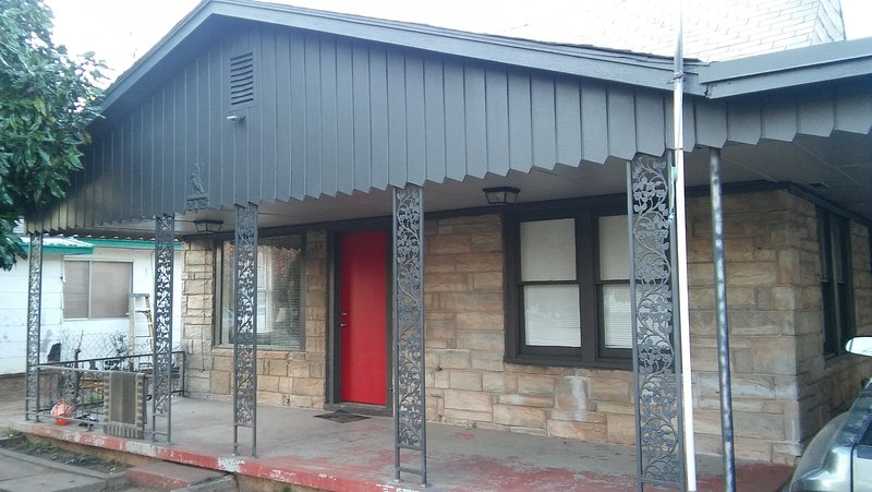2BD. IN THE HEART OF OKC, holiday rental in Oklahoma City