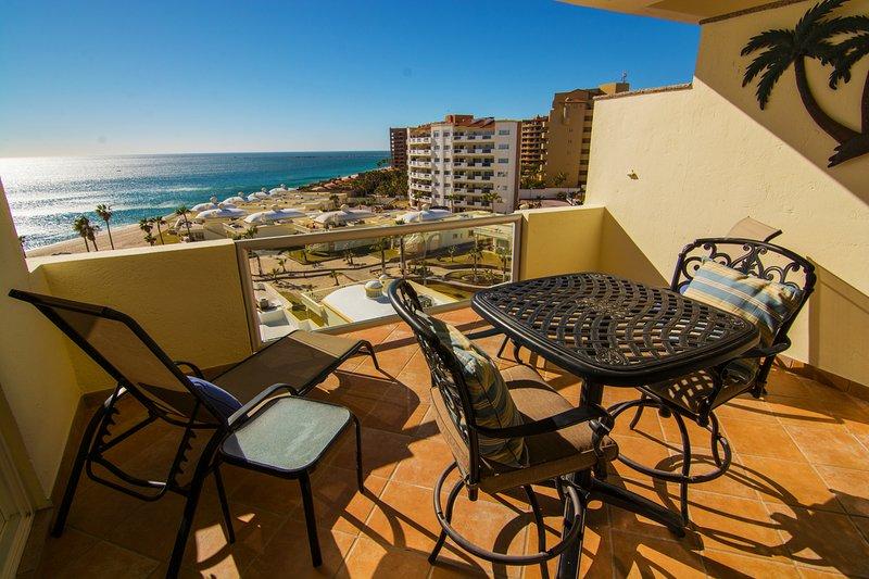 Balcón, Muebles, Mesa de comedor, mesa, silla