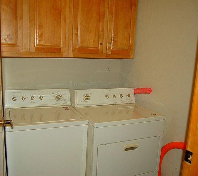 Interior, cocina, sala, lavadora, muebles