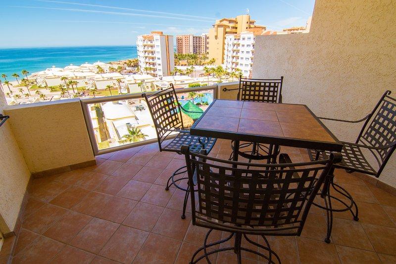 Spectacular 1 Bedroom Condo on Sandy Beach at Las Palmas Resort  D-603B, location de vacances à Puerto Penasco