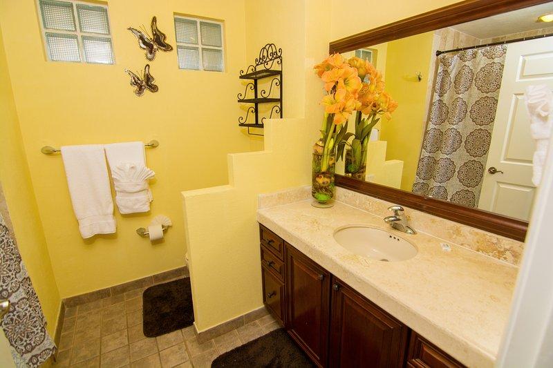 Indoors,Room,Blanket,Towel,Flower