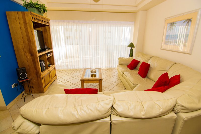 Indoors, Room, Bedroom, Furniture, Couch