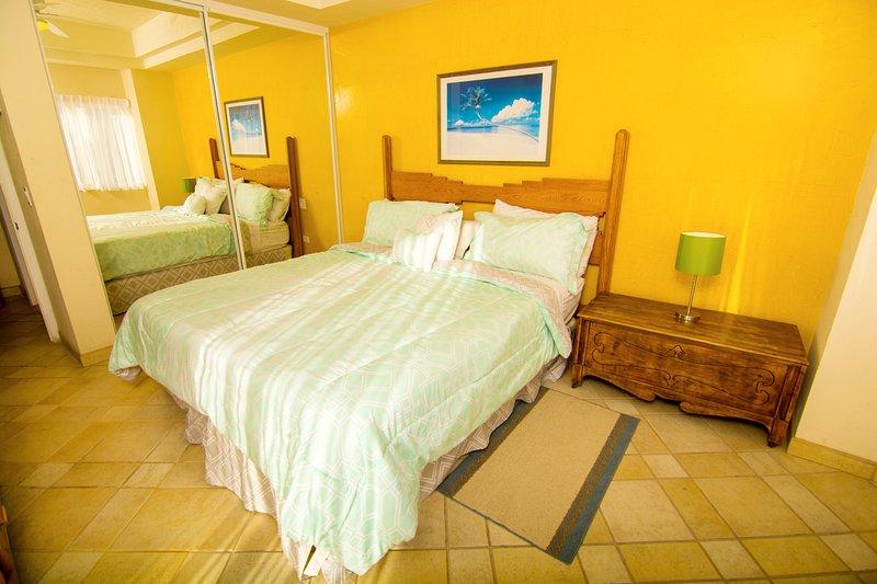 Bedroom, Indoors, Room, Chair, Furniture