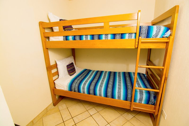 Dormitorio, muebles, biblioteca, estante, Almohada