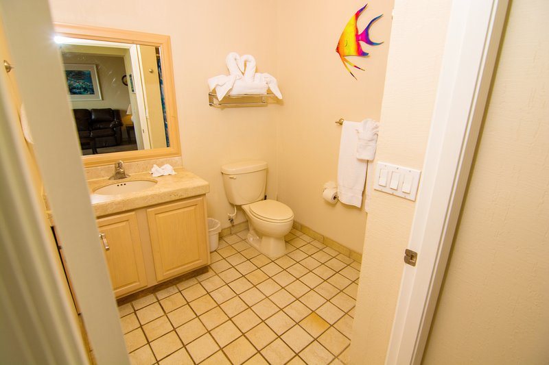 Interior, Habitación, Suelo, Suelo, Cuarto de baño