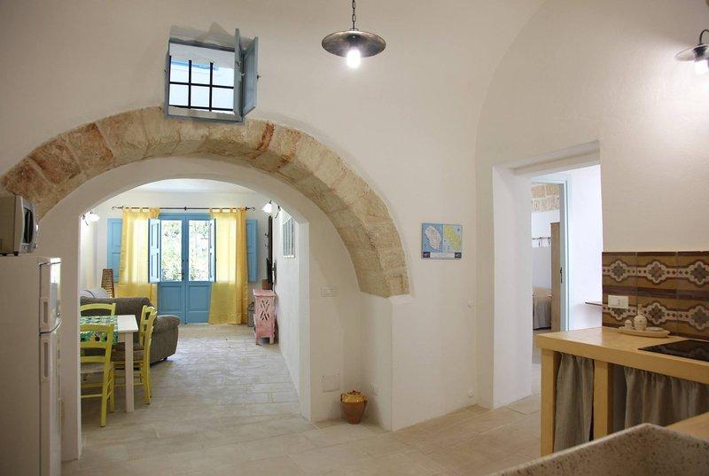LA CORTE DEI COLORI - Giallo, vacation rental in Montesano Salentino