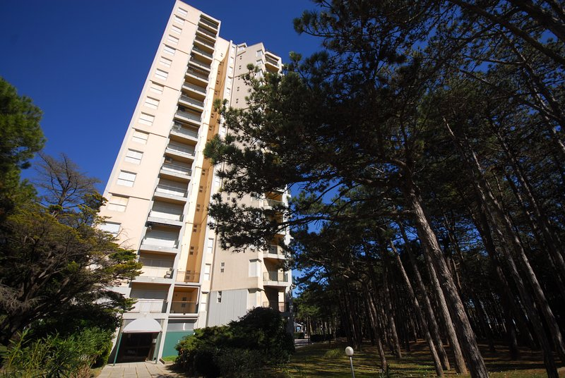 Residence Excelsior Type D, vacation rental in Lignano Pineta