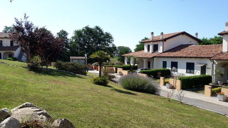 """Borgo Nicoletta Villa """"Carinae"""" natura e relax, casa vacanza a Vibo Valentia"""