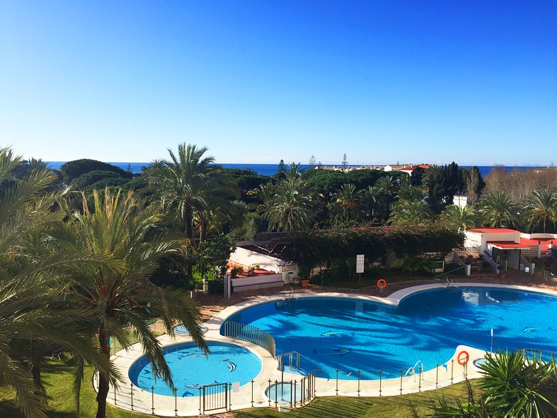 MARBELLA Studio Vue Mer Stunning View of the sea Quiet and calm Area