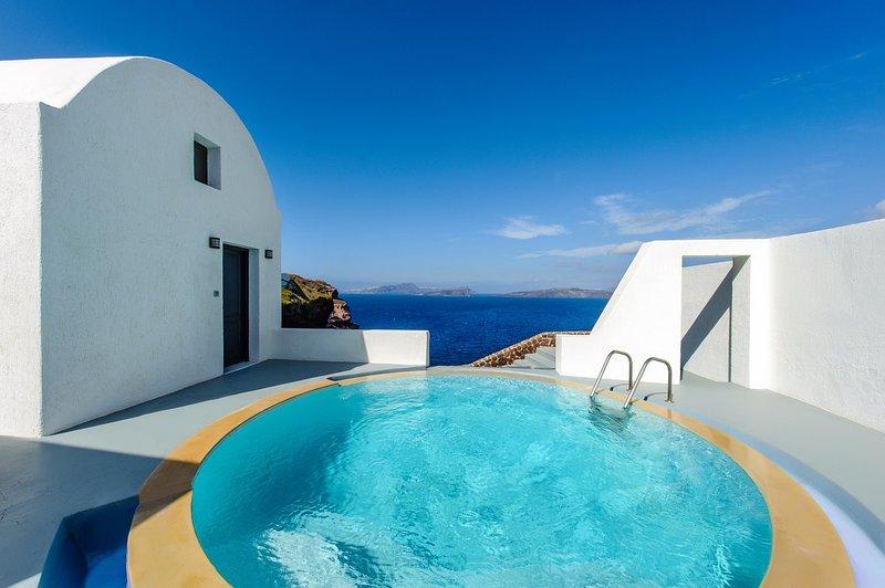 BlueVillas | Villa Serenity | Private pool & spa and private sea view terrace, location de vacances à Akrotiri