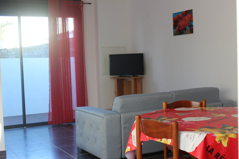 F3 confortable et bien située, holiday rental in Saint-Pierre
