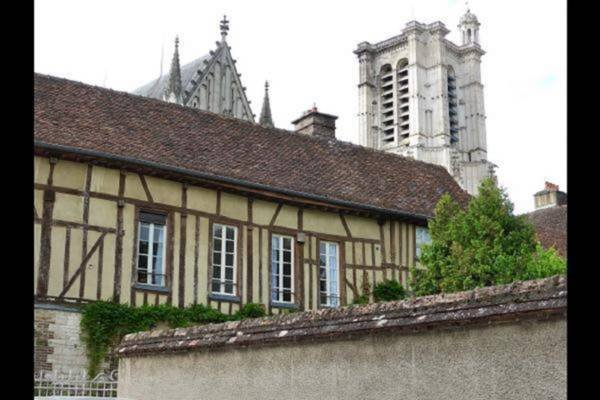 Les Cieux de la Cathédrale, holiday rental in Creney-pres-Troyes