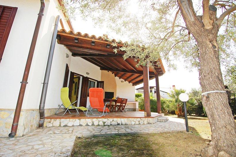 ARVILLA'S HOUSES. Magica villa su 2 livelli, vacation rental in Piana Calzata
