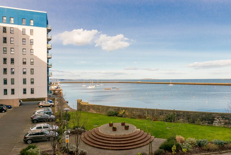 411 - Corinthian Quay Apartment, location de vacances à Burntisland