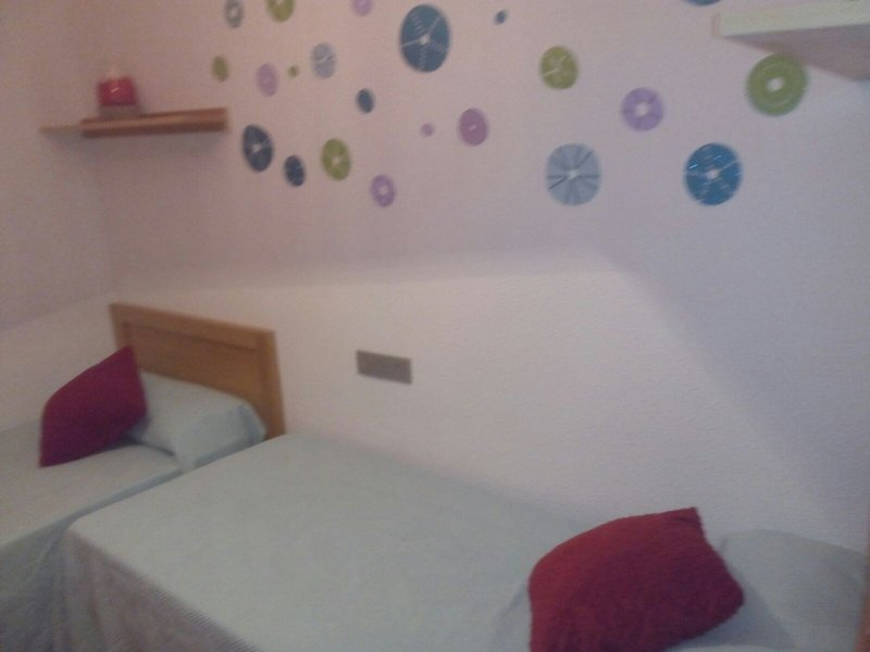 Room, with two beds of 90 cm with built-in wardrobe.