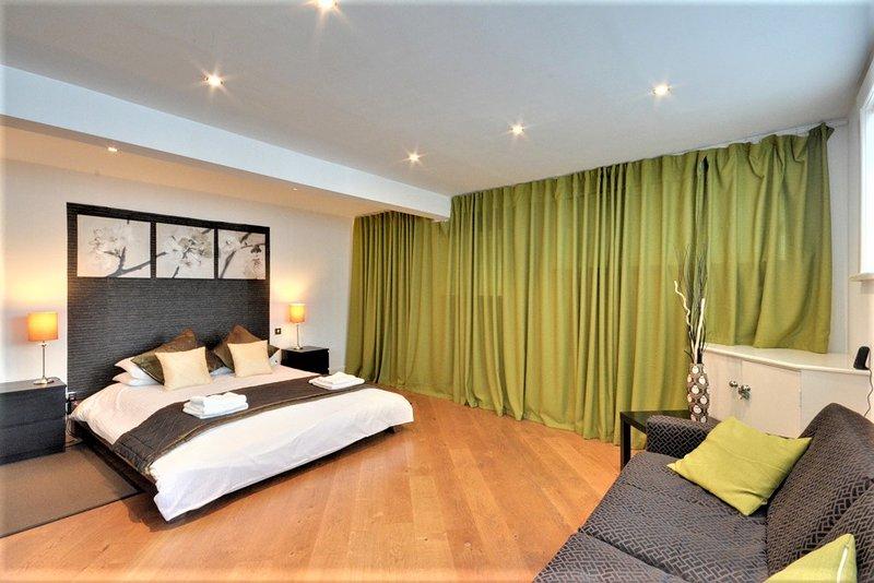 Rey tamaño dormitorio 3 (planta baja)