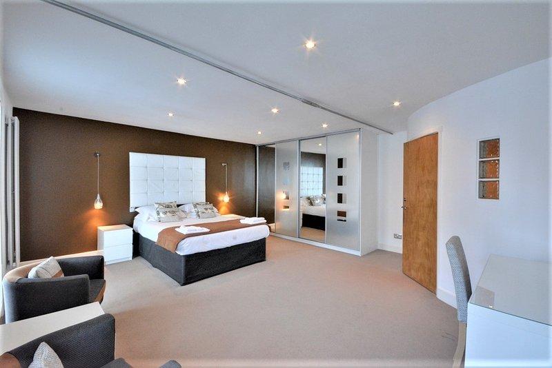 King-Size-Schlafzimmer 1