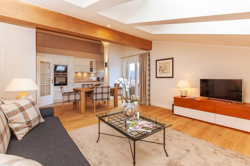 Haus Bella Vista - Ferienwohnung Unterberg, holiday rental in Bad Endorf