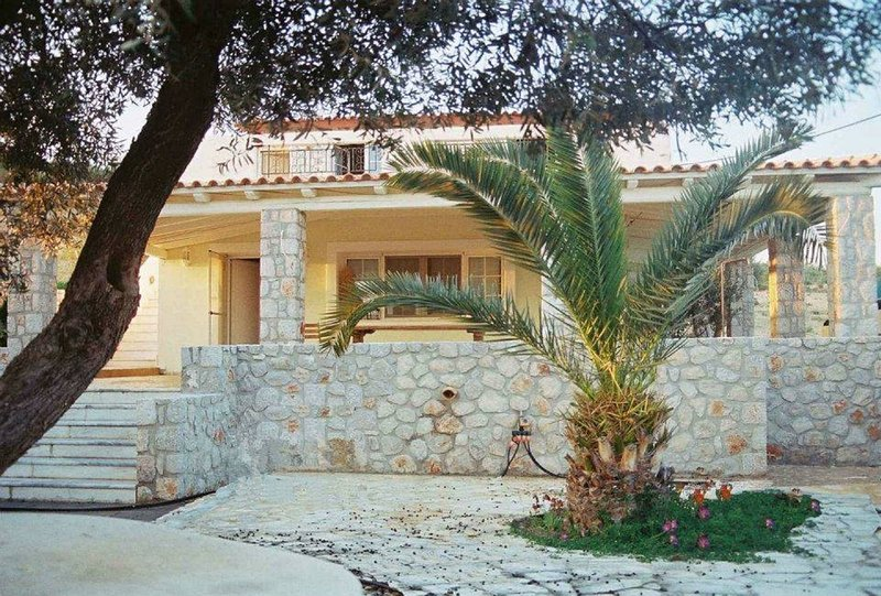 Villa Marialina Agios Aimilianos  sleeps 6+2 -whether you're famous or not-, holiday rental in Kosta