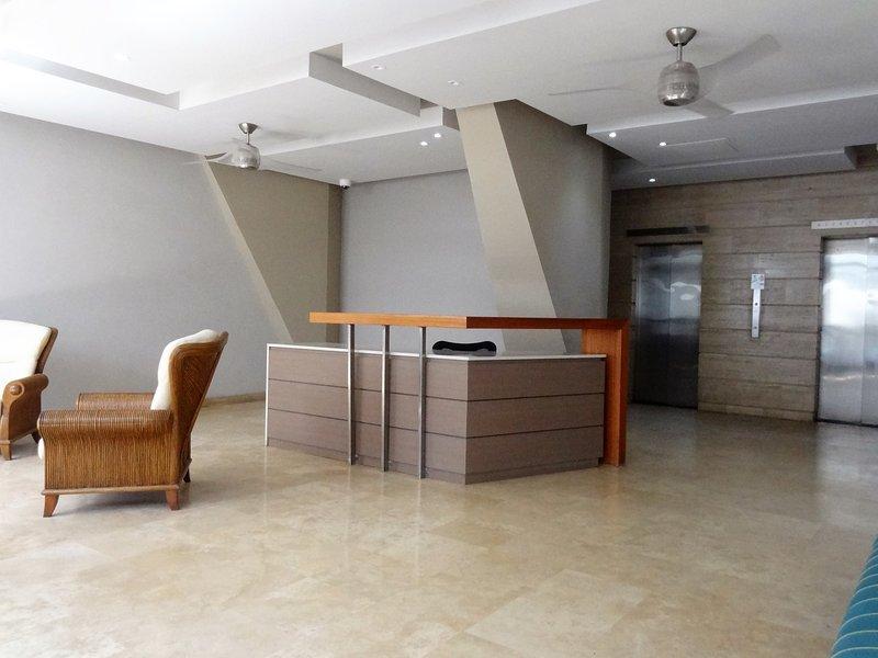 Lobby, sicurezza Scrivania, ascensori