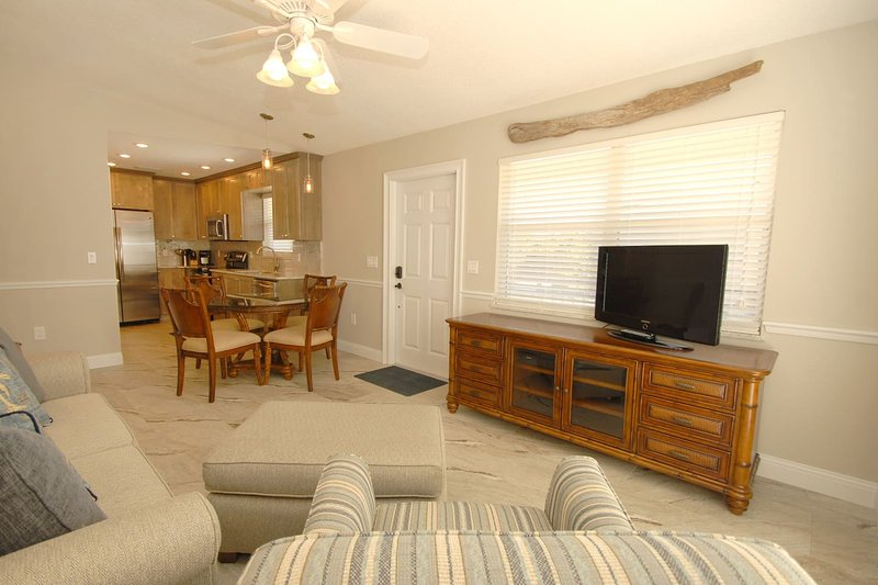Castnetter Beach Resort 5, holiday rental in Holmes Beach