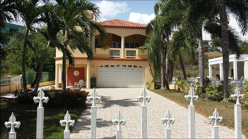Villa Casa Maria 4100 sq ft. WiFi, Check out our video on YouTube.  Come enjoy, vakantiewoning in Quebradillas