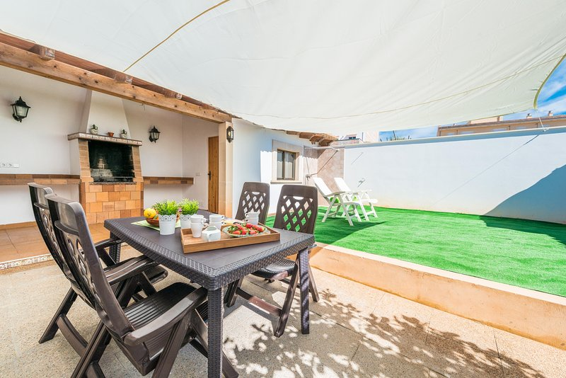 CA NA DORA - Chalet for 5 people in Santanyí, vacation rental in Santanyi